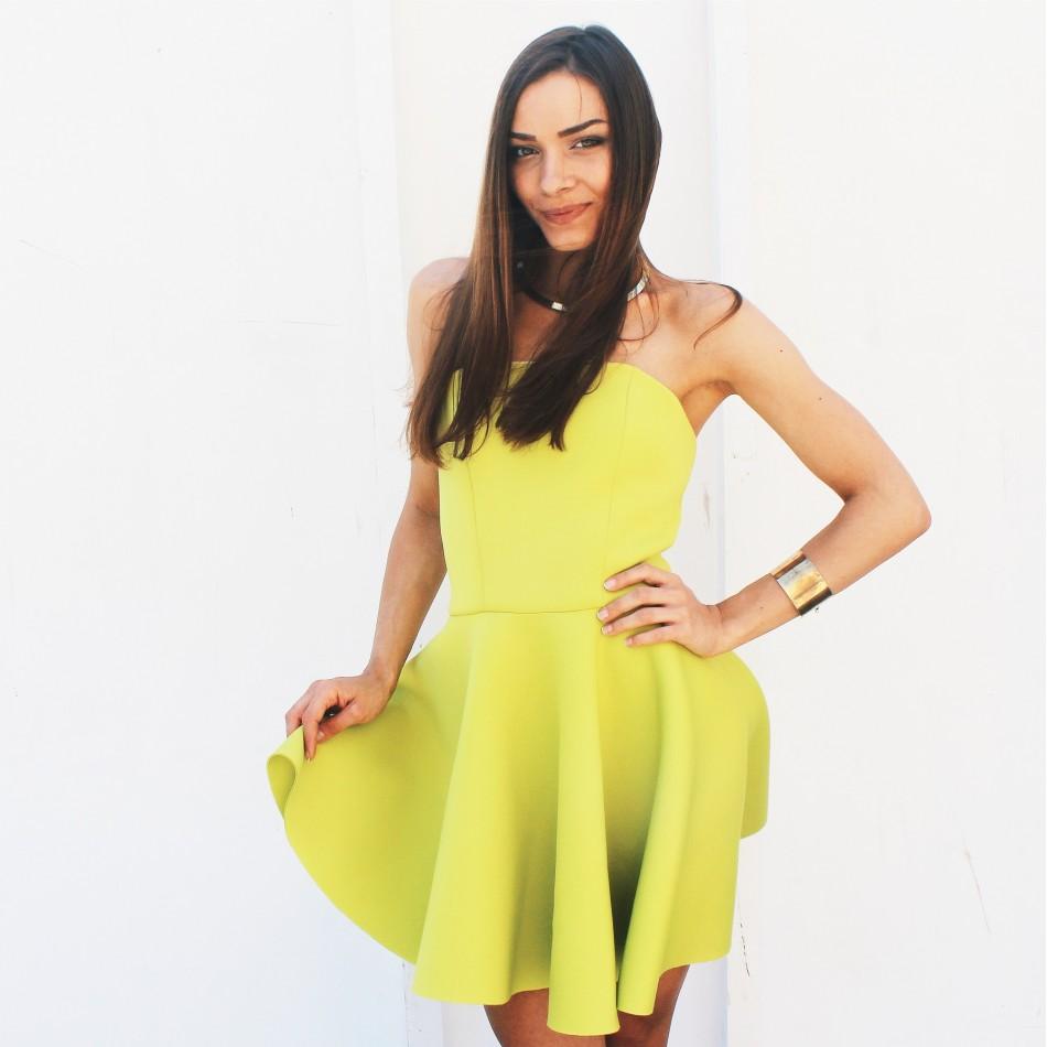 Zielona sukienka z pianki gorsetowa