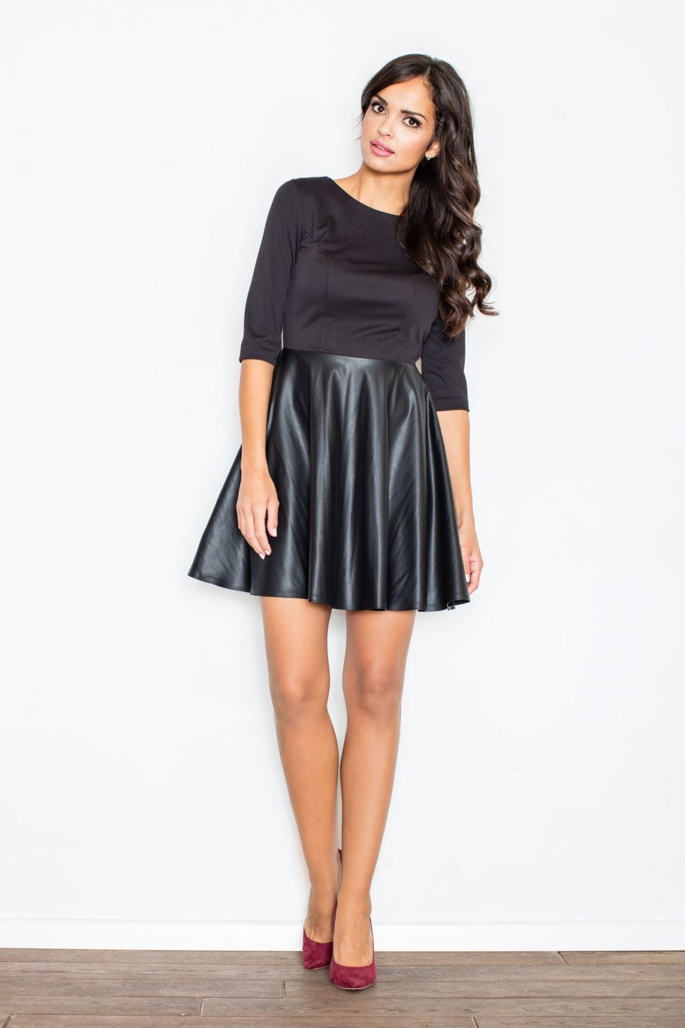 Rozkoszowana Sukienka bluzka ze spódnicą czarna