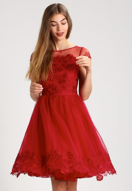 Sukienki na studniówkę w kolorze czerwonym