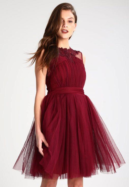 Bordowa wieczorowa koktajlowa sukienka z wycięciem na plecach