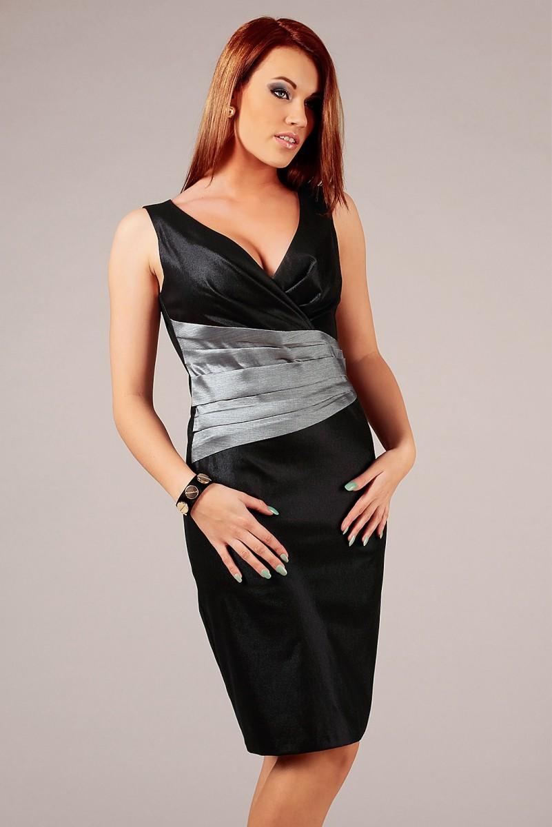 Czarna sukienka wizytowa midi