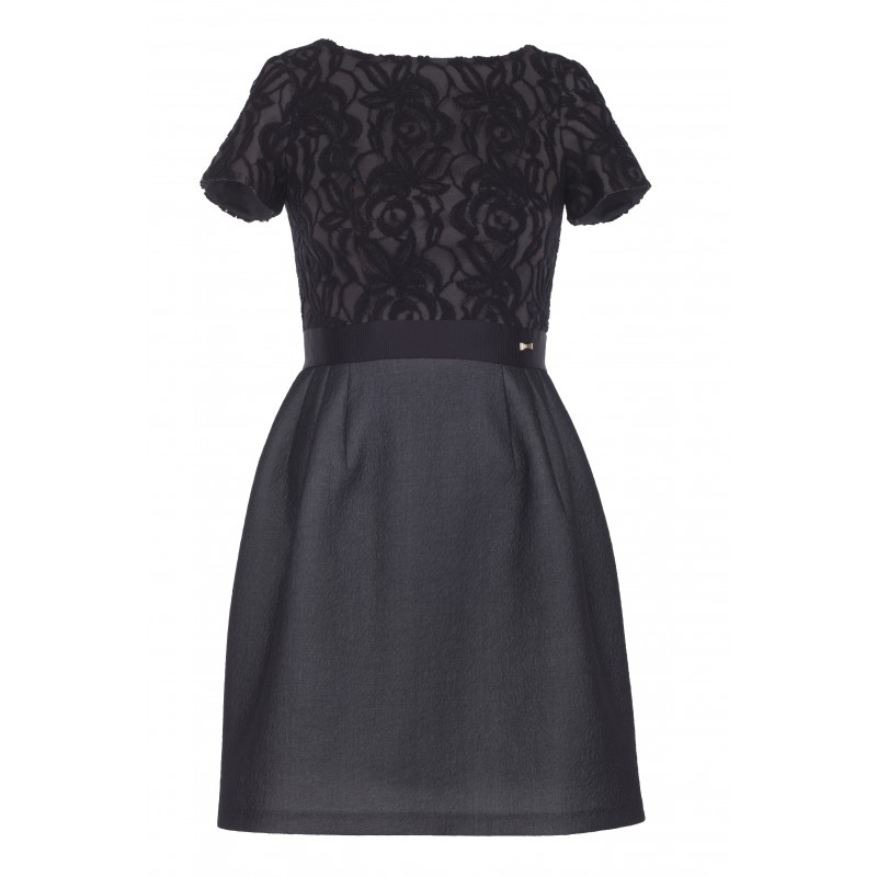 Wieczorowe sukienki koktajlowe na wesele czarna