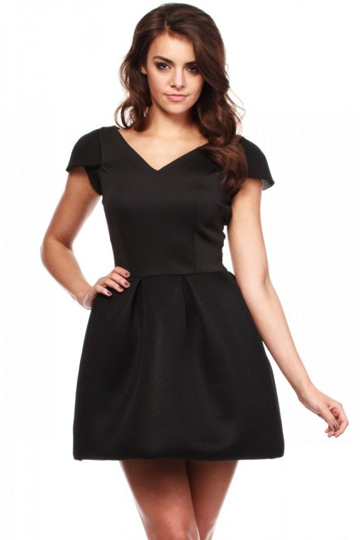 Czarna sukienka bombka na wesele i na co dzień