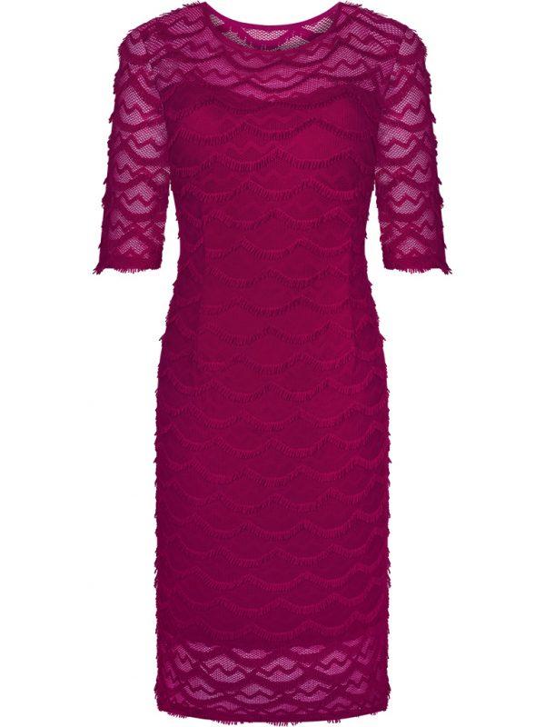 Czerwona sukienka z koronki kreacja wieczorowa