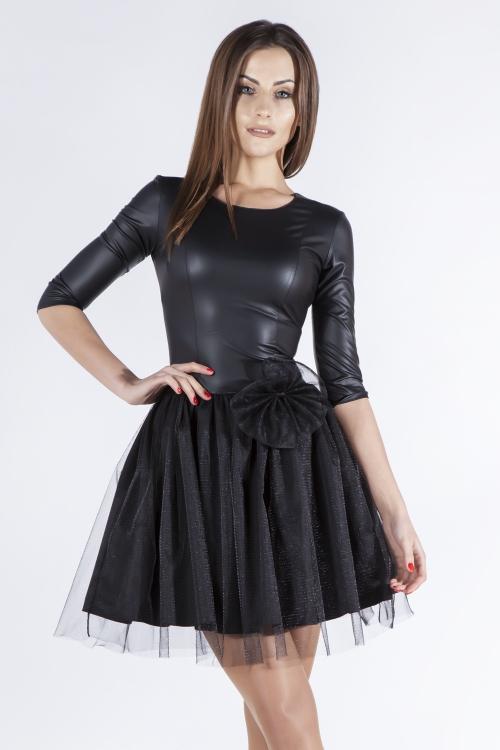 Czarna sukienka skórzana na sylwestra