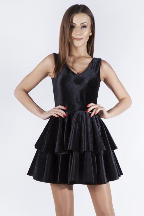 czarna welurowa sukienka na wesele i sylwestra