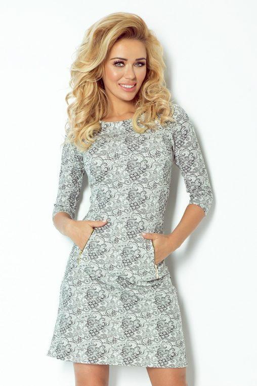 Sukienka z grubego materiału we wzory
