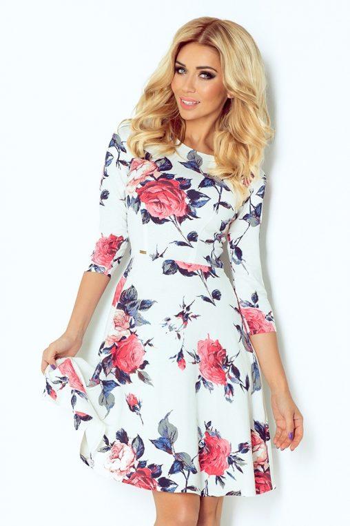 Rozkloszowana sukienka w róże