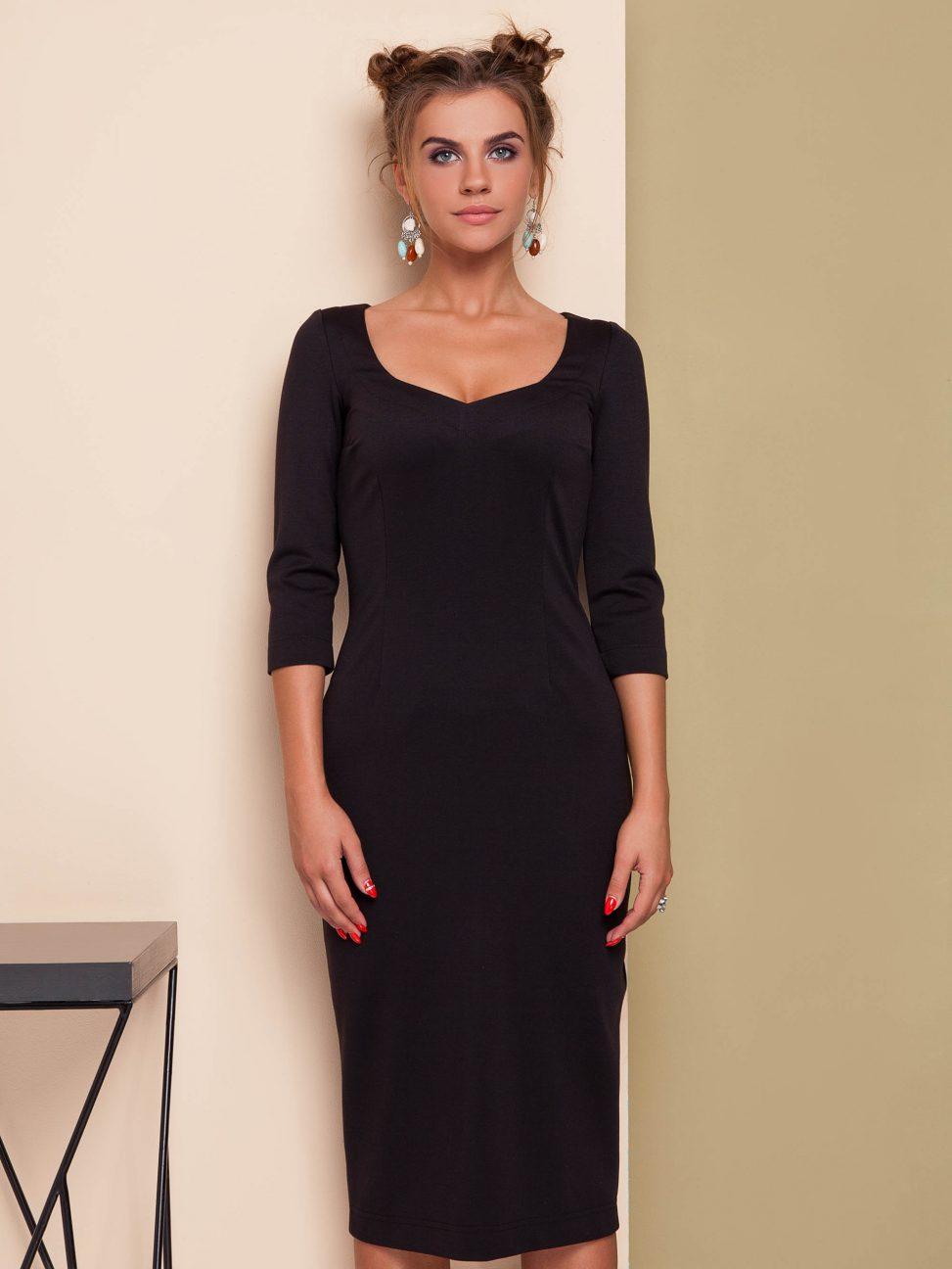 Czarna sukienka dzianinowa głęboki dekolt