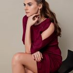 Sukienka z rozciętymi rękawami bordowa