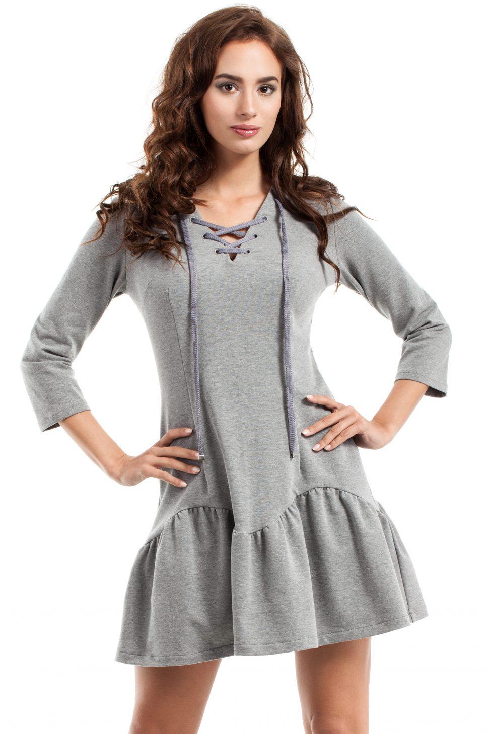Szara dresowa sukienka wiązana w dekolcie