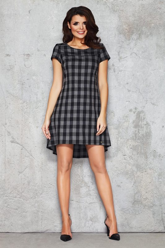Czarna sukienka w kratkę z dłuższym tyłem