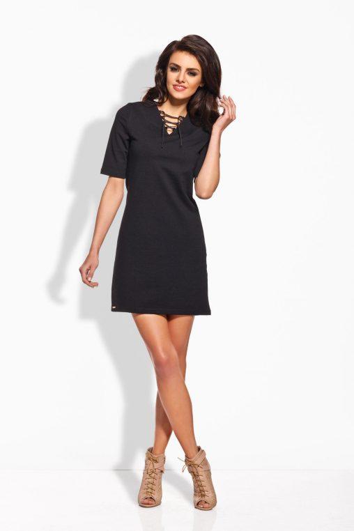 Czarna trapezowa sukienka sznurowana
