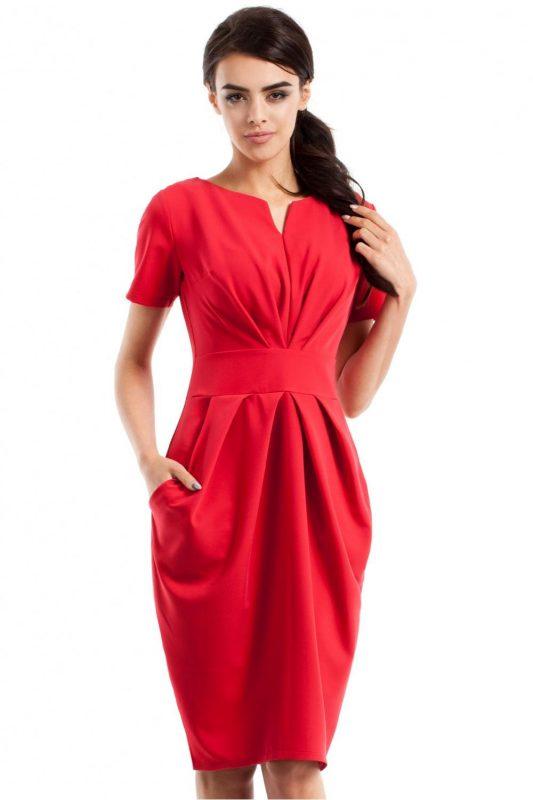 Drapowana sukienka w kolorze czerwonym