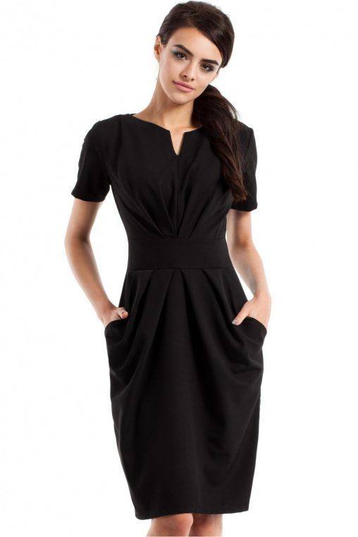 Sukienki drapowane na wiosnę - czarna