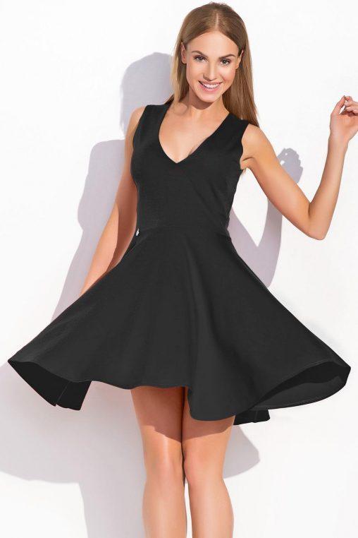 Sukienka z dużym dekoltem rozkloszowana czarna