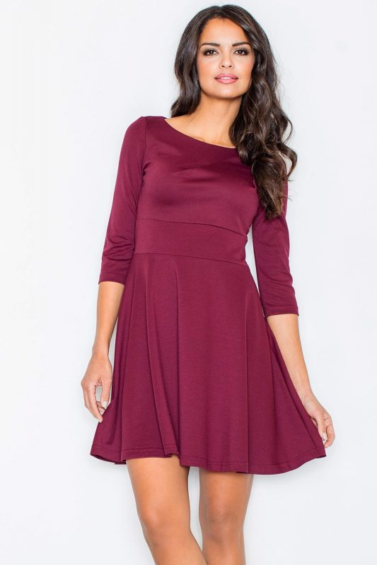 Rozkloszowana bordowa sukienka