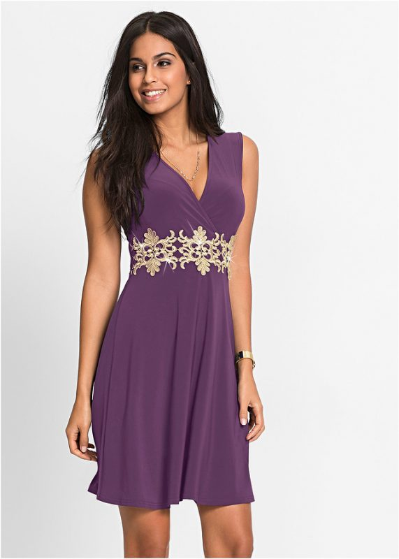 Koktajlowa fioletowa sukienka na wesele