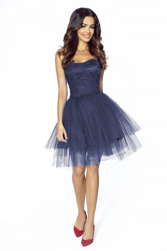 Granatowa tiulowa sukienka wieczorowa na wesele