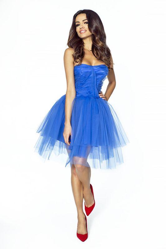 Niebieska tiulowa sukienka wieczorowa na wesele