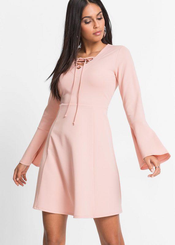 Sukienka z szerokimi rękawami różowa