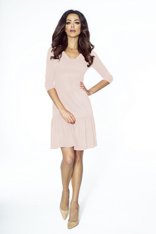 koktajlowa sukienka z falbanką pudrowy róż