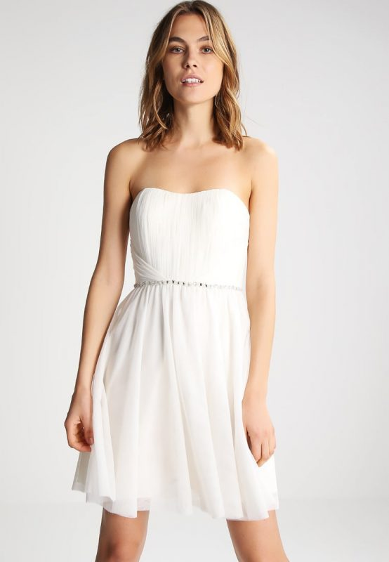 biała sukienka gorsetowa na bal i wieczorne uroczystości