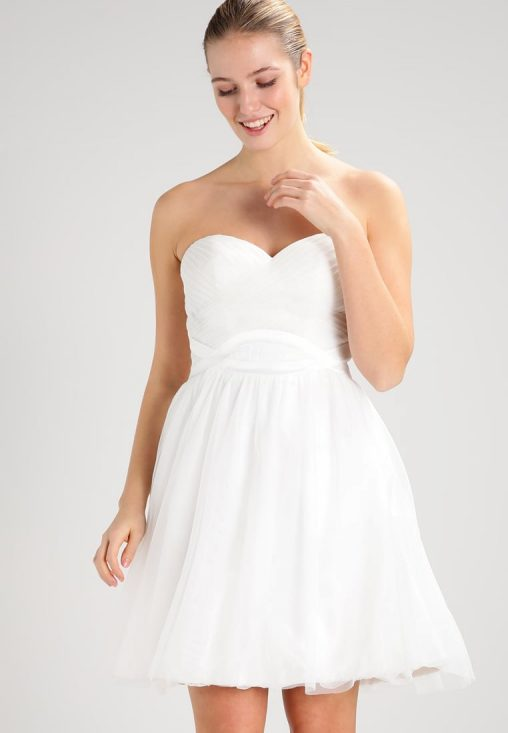 Koktajlowa biała sukienka bez ramiączek