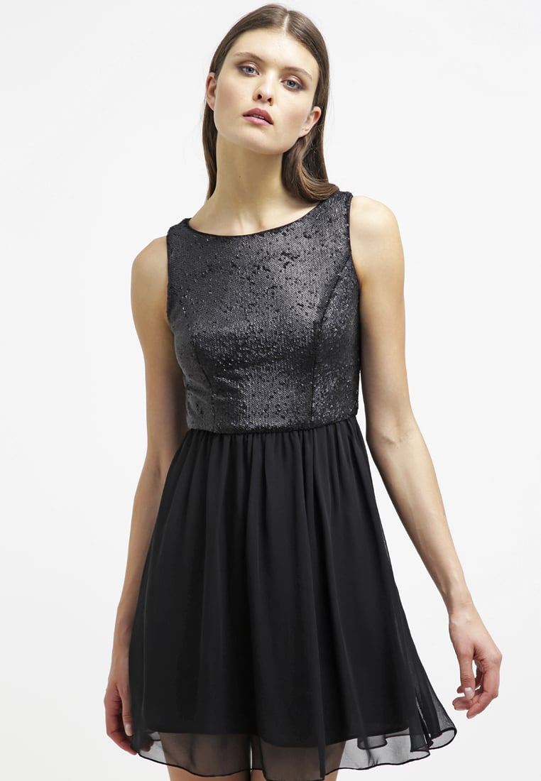 sukienka z cekinami i tiulem czarna