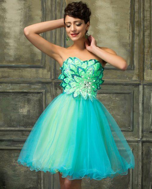 Sukienka tiulowa z motywem kwiatowym