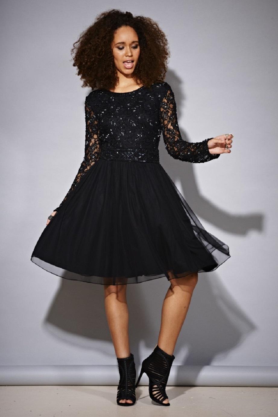 Błyszcząca sukienka z cekinami czarna