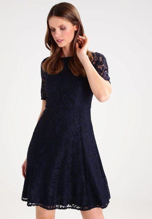 Koktajlowa granatowa sukienka koronkowa