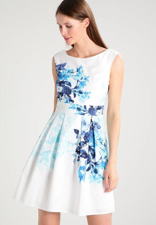 Letnia biała sukienka w kwiaty