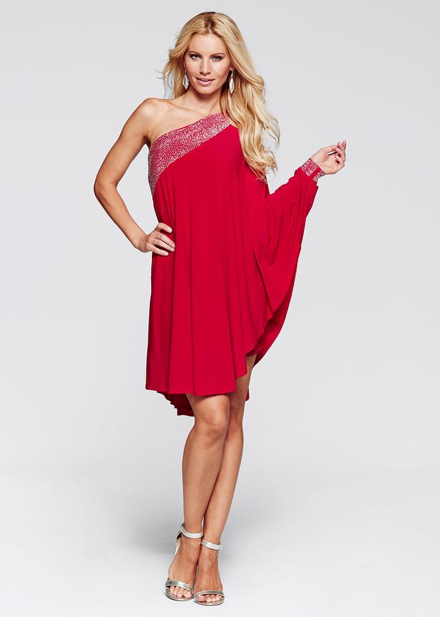 czerwona luźna sukienka na wesele
