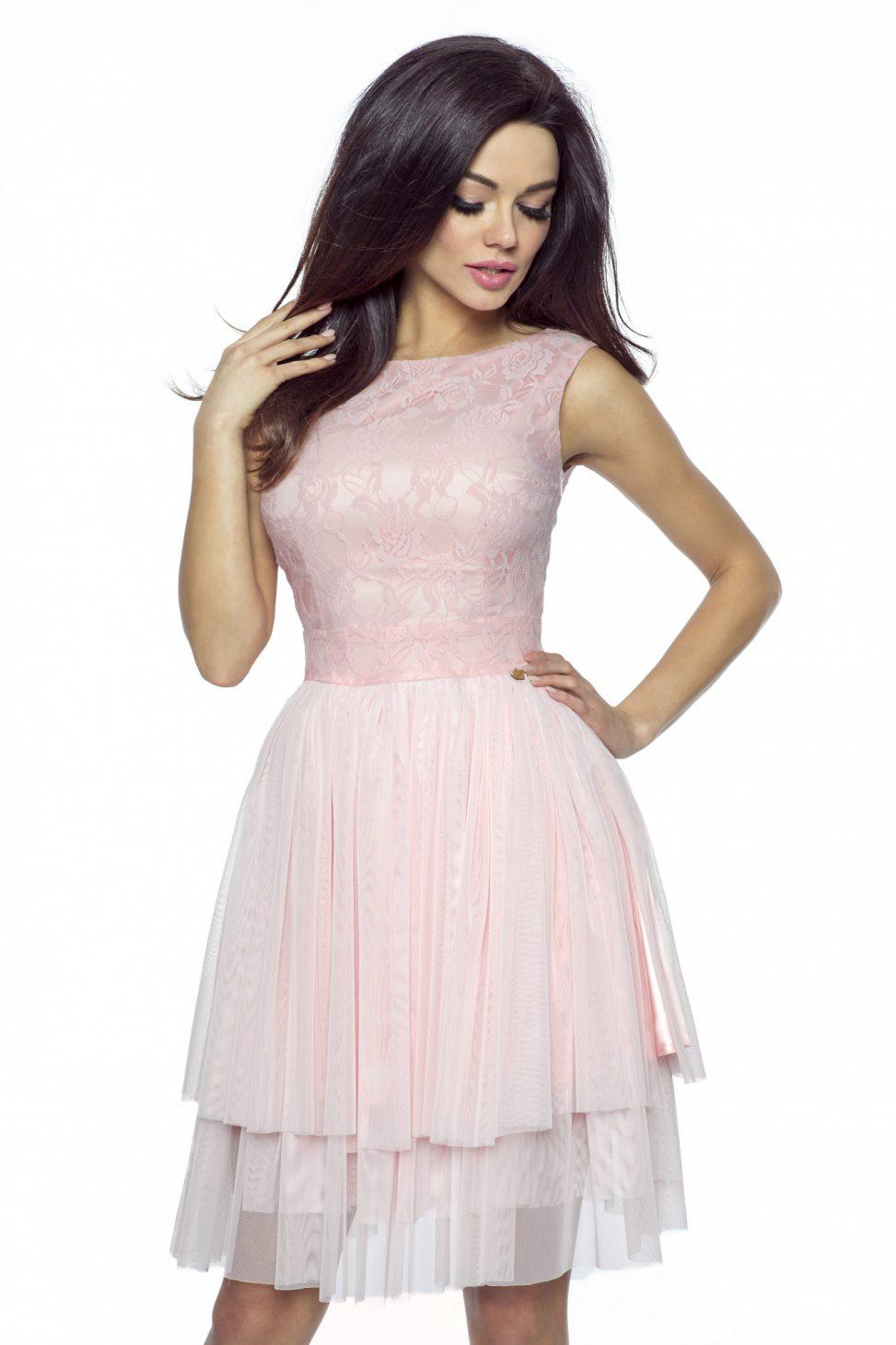 Tiulowo koronkowa sukienka pudrowa