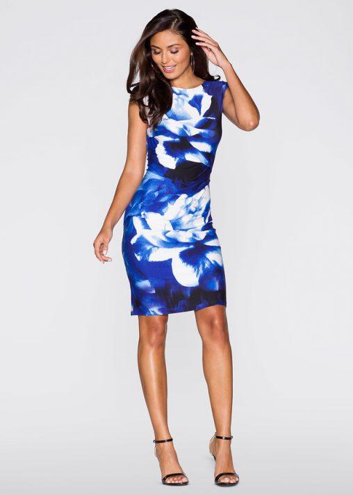 Niebieska sukienka w kwiaty wizytowa
