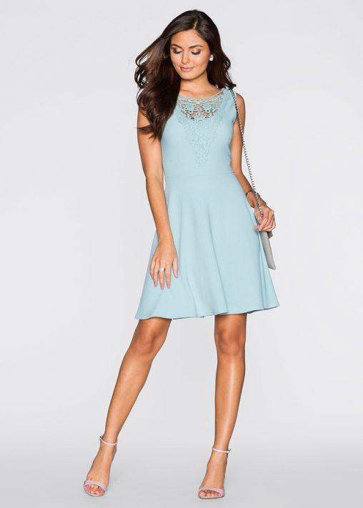 Sukienka z haftowanym wzorem niebieska
