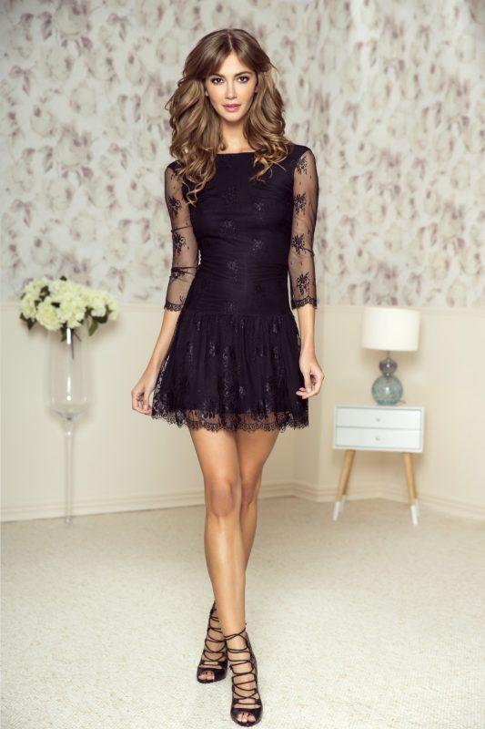Czarna koronkowa sukienka na wesele