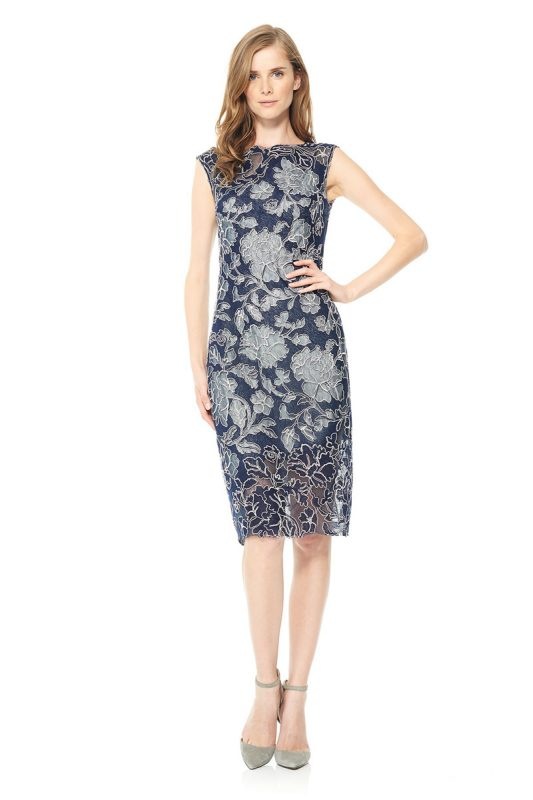 elegancka sukienka z koronki w kwiaty