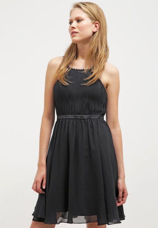Czarna koktajlowa sukienka bez pleców