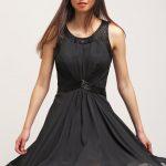 Zwiewna czarna sukienka letnia
