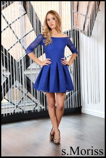 Cudna niebieska sukienka z koronki