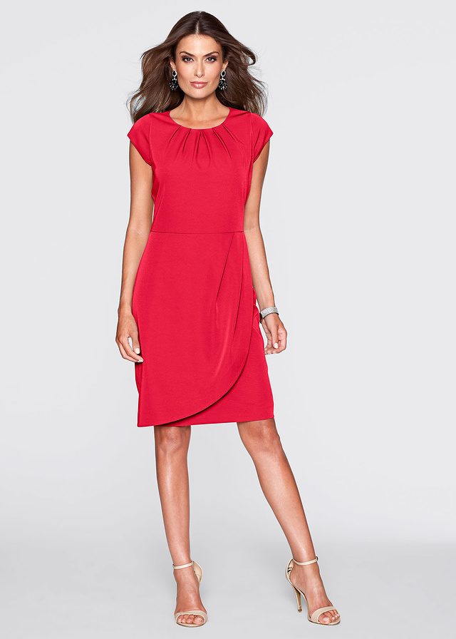 Elegancka czerwona sukienka do kolan