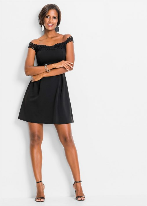 Letnia czarna sukienka odsłonięte ramiona