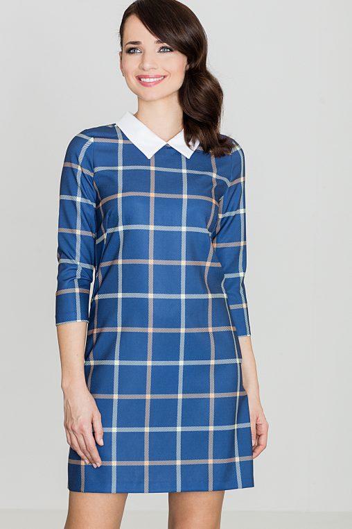 Niebieska sukienka w kratę z białym kolnierzykiem