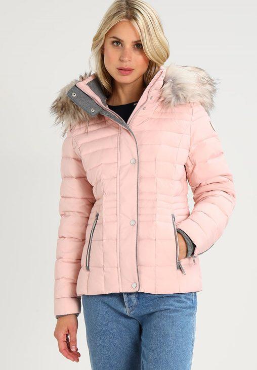 Różowa kurtka zimowa z kapturem
