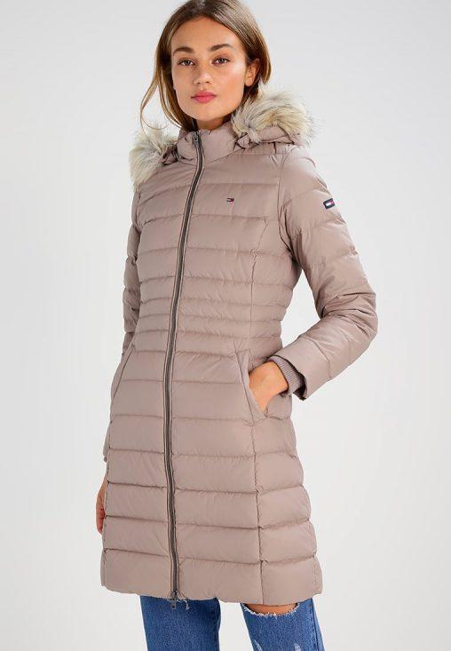 Beżowa długa puchowa kurtka zimowa