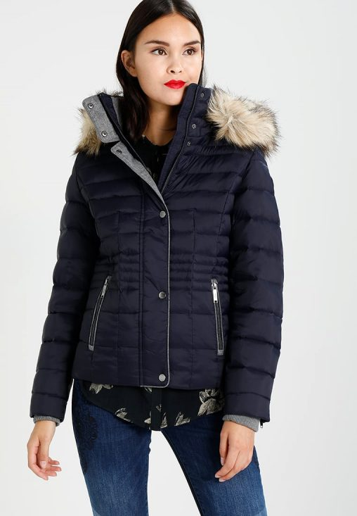 Granatowa kurtka zimowa z kapturem