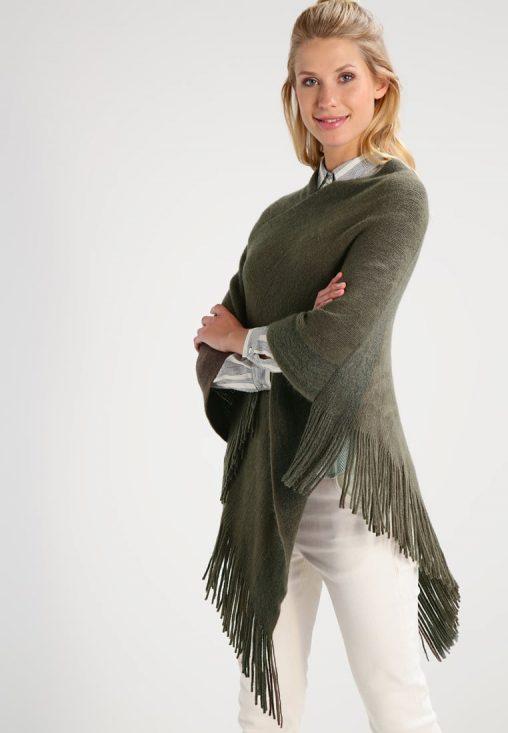 Zielone ponczo sweterek z frędzelkami