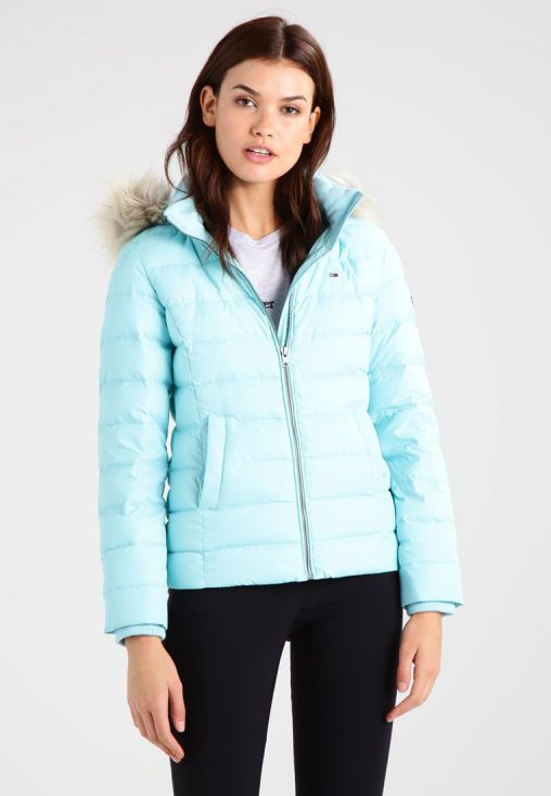 Niebieska zimowa kurtka puchowa